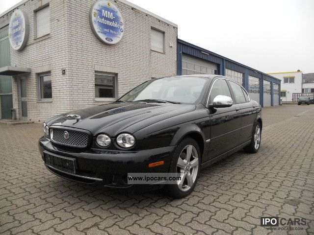 2008 Jaguar  X-Type 2.5 V6 4x4 Aut. Executive Limousine Used vehicle photo
