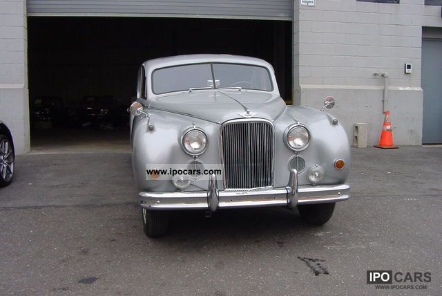 1955 Jaguar  MK VII Sedan Limousine Used vehicle 			(business photo