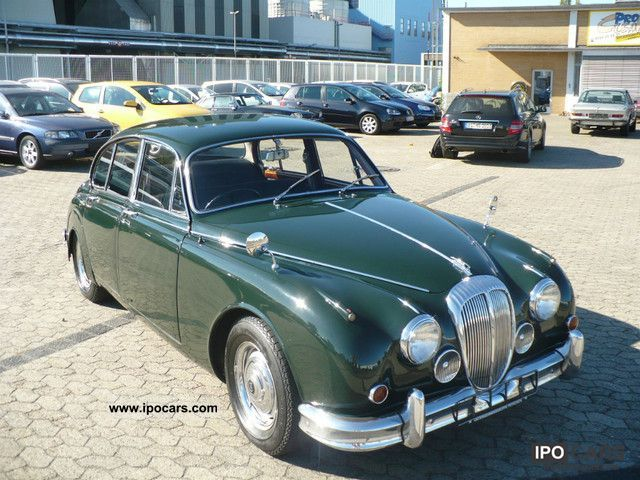 Jaguar  Daimler V8 Saloon (MK II) H-plates 1967 Vintage, Classic and Old Cars photo