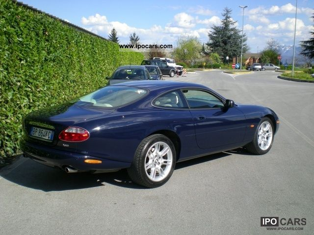 2001 jaguar xk8 4 0 v8 coupe 39 car photo and specs