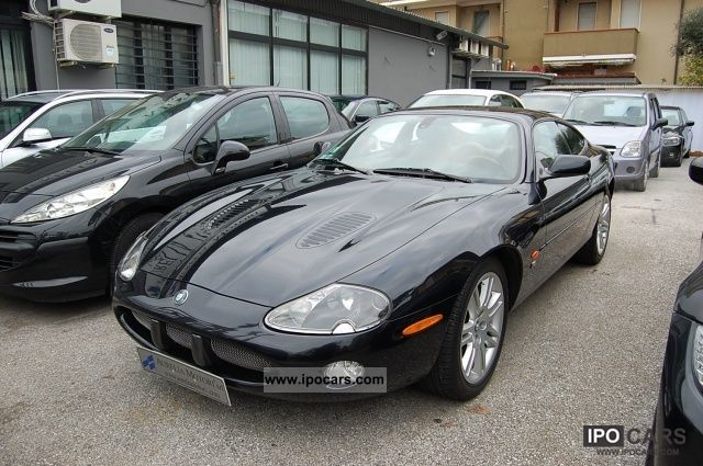 2003 jaguar xkr 2 4 supercharged car photo and specs. Black Bedroom Furniture Sets. Home Design Ideas