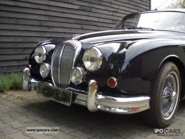 Jaguar  Daimler 2.5 liter V8 / Mk2 1968 Vintage, Classic and Old Cars photo