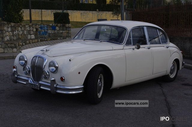 1967 Jaguar  Daimler Mk II-liter V.8 Limousine Used vehicle photo