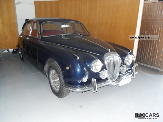 1967 Jaguar  Daimler SP 250 Limousine Used vehicle photo