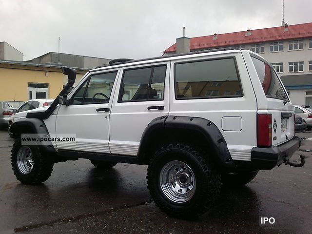 1993 Jeep Cherokee Off Road - Car Photo and Specs