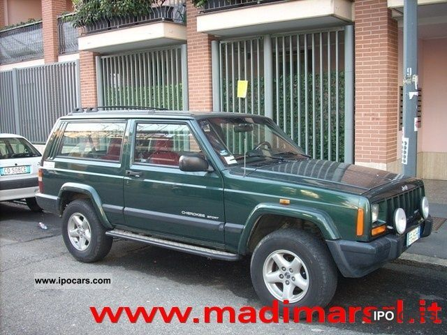 1999 Jeep  Cherokee 2.5 TD 3 porte Sport (Gancio traino) Estate Car Used vehicle photo