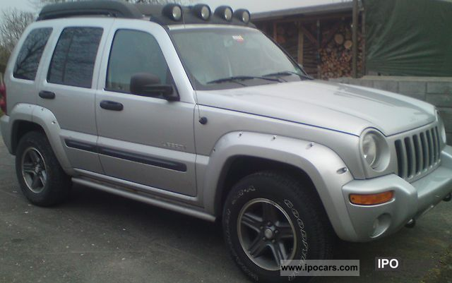 2004 jeep liberty 3 7 v6 car photo and specs. Black Bedroom Furniture Sets. Home Design Ideas