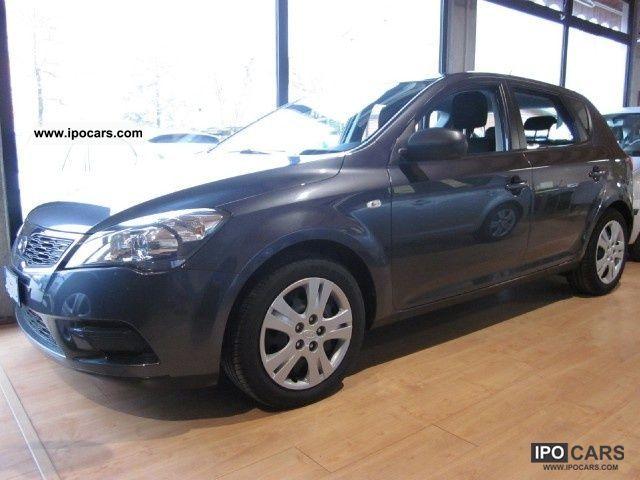 2010 Kia  Ceed_sw cee'd 1.4 90CV 5p. LX Limousine Used vehicle photo
