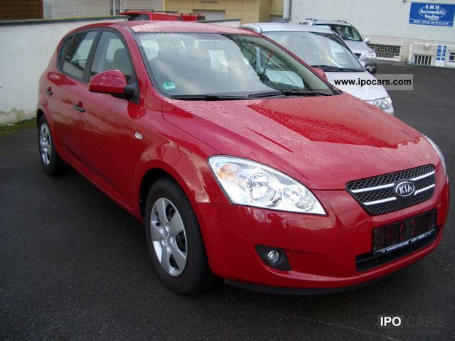 Kia  cee'd, LPG gas, accident free, Scheckh., aluminum, Sitzh., Top 2006 Liquefied Petroleum Gas Cars (LPG, GPL, propane) photo