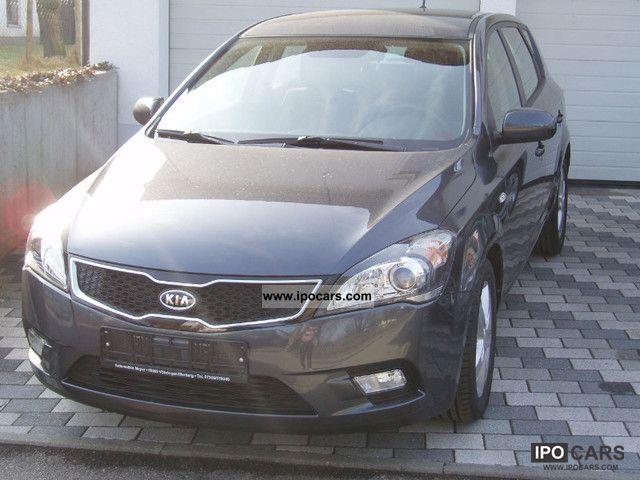 2012 Kia  cee'd1, 4 Edit.7, climate, navigation system, ABS, ESP, ASR Limousine Pre-Registration photo