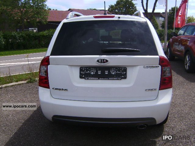 2011 Kia  Carens 1.6 CRDi model 2011Klimaaut. Van / Minibus New vehicle photo