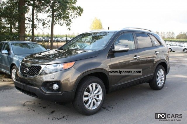 2011 Kia  2.0 CRDi 4x2 Luxury 7 Places to panoramique Off-road Vehicle/Pickup Truck Used vehicle photo
