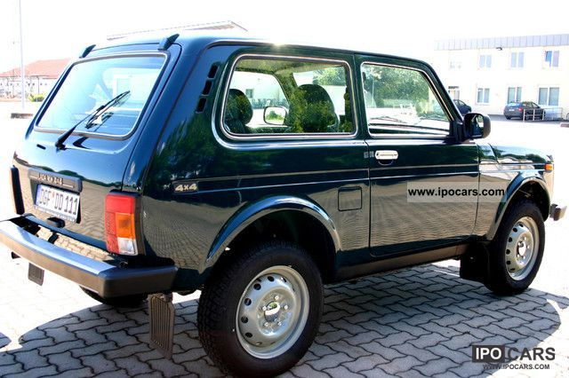 2010 lada niva 4x4 car photo and specs. Black Bedroom Furniture Sets. Home Design Ideas