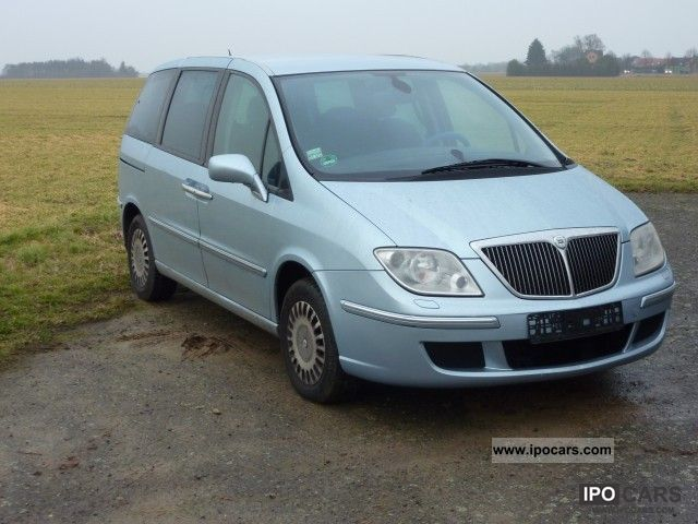 2003 Lancia  Phedra 2.0 16v LPG Emblema Van / Minibus Used vehicle photo