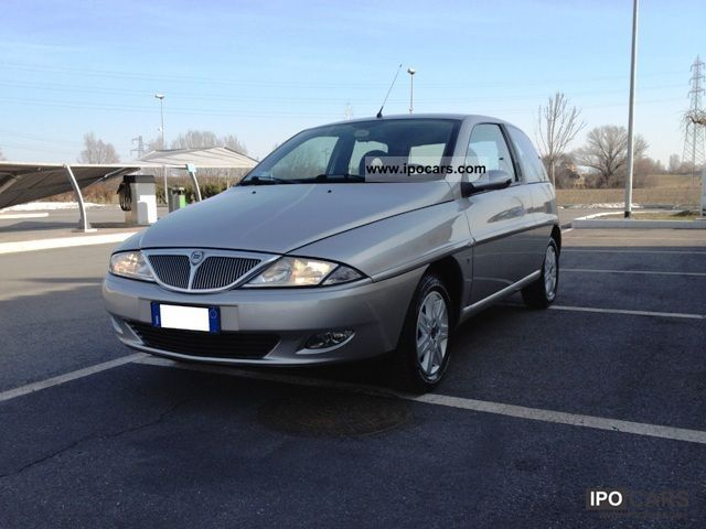 2002 Lancia  UNICA Y Small Car Used vehicle photo