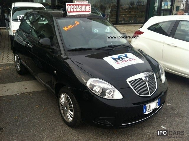 2011 lancia ypsilon 1 2 69 cv diva car photo and specs - Lancia y diva 2011 ...