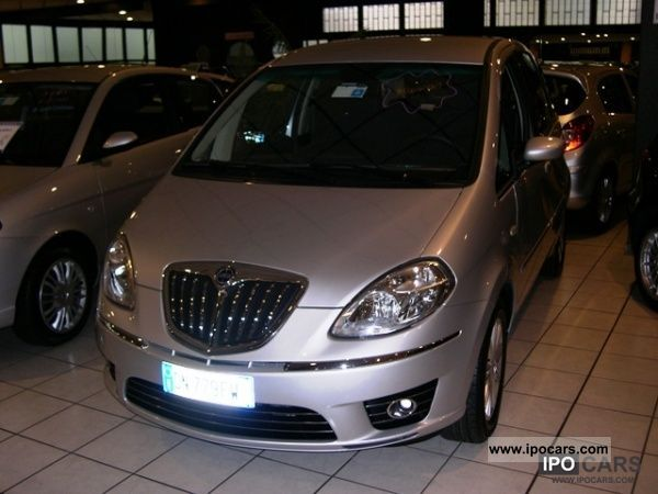 2011 lancia musa 1 4 16valv oro 95cv car photo and specs - Lancia y allestimento diva ...