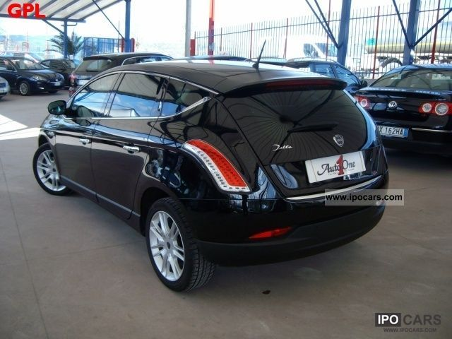 2009 lancia delta 2 0 m jet mod oro car photo and specs. Black Bedroom Furniture Sets. Home Design Ideas