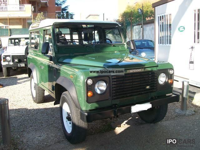 2001 Land Rover  DEFENDER 90 TD5 --- Gancio Tues Traino - Off-road Vehicle/Pickup Truck Used vehicle photo