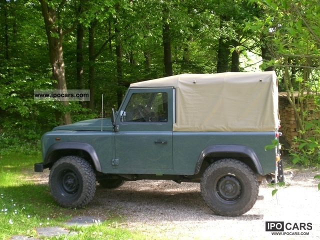 2009 land rover defender 90 soft top e car photo and specs. Black Bedroom Furniture Sets. Home Design Ideas
