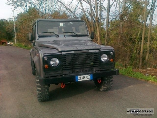 2010 Land Rover  Defender 90 SW 2500 TD Off-road Vehicle/Pickup Truck Used vehicle photo