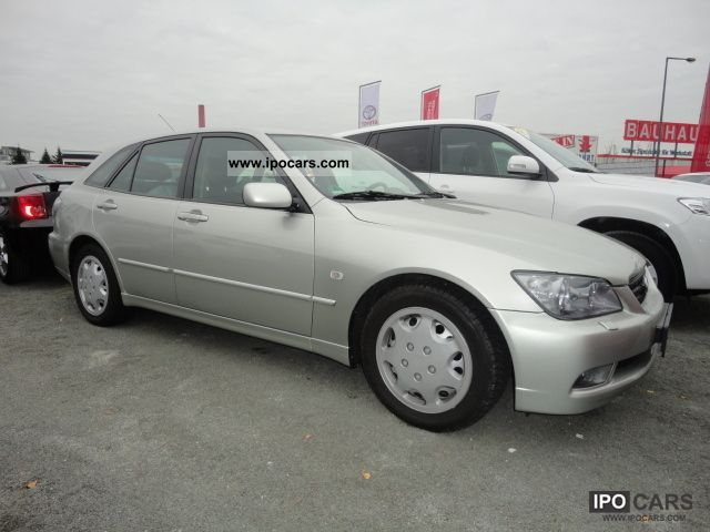 2003 lexus is 300 sport cross car photo and specs. Black Bedroom Furniture Sets. Home Design Ideas