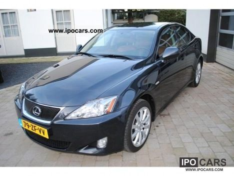 2008 lexus is 220 220d business car photo and specs. Black Bedroom Furniture Sets. Home Design Ideas