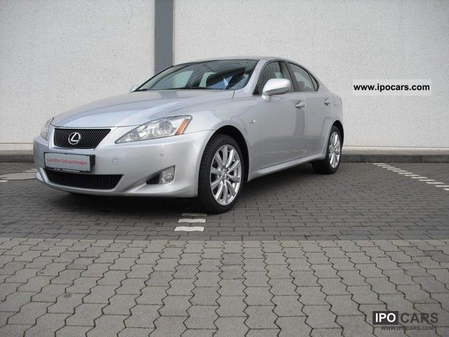 2008 lexus is 220d limited car photo and specs. Black Bedroom Furniture Sets. Home Design Ideas
