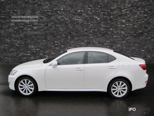 2010 Lexus  F-Sport IS 220d, camera, leather, KEYLESS GO, full Limousine Used vehicle photo