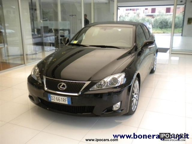 2010 lexus is 220d f sport car photo and specs. Black Bedroom Furniture Sets. Home Design Ideas