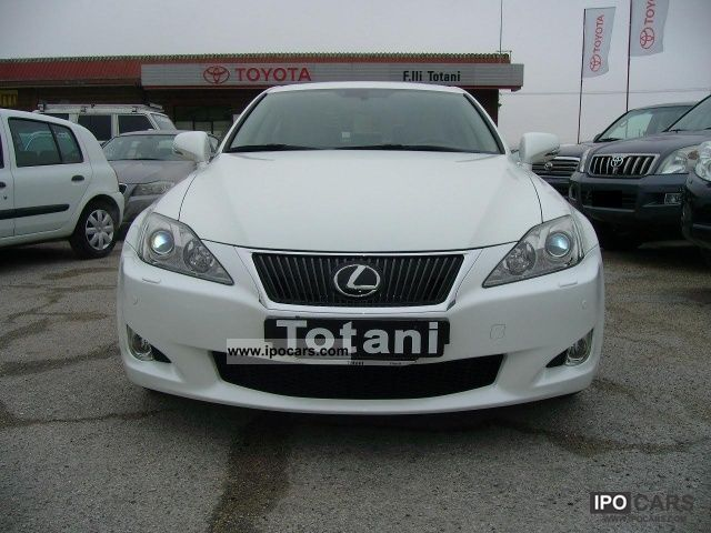 2010 lexus is 250 luxury a t 002 car photo and specs. Black Bedroom Furniture Sets. Home Design Ideas
