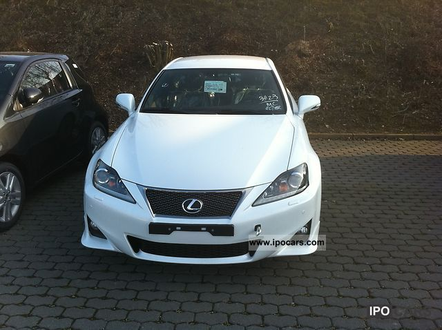 2011 lexus is 220d f sport vat reclaimable car photo and specs. Black Bedroom Furniture Sets. Home Design Ideas