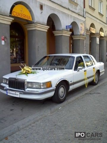 1993 Lincoln  Town Car Limousine Used vehicle photo