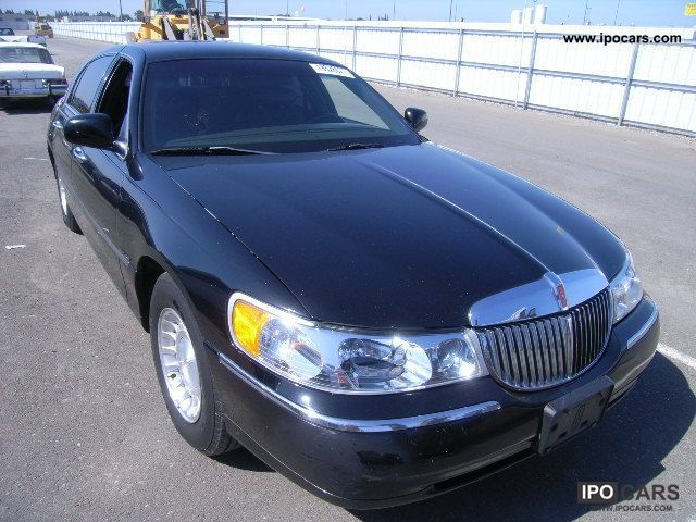 2002 Lincoln  TOWN CAR Limousine Used vehicle (business photo