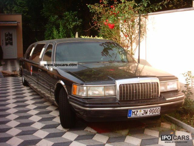 1994 Lincoln  Town Car 8 seater Strechlimo Limousine Used vehicle photo