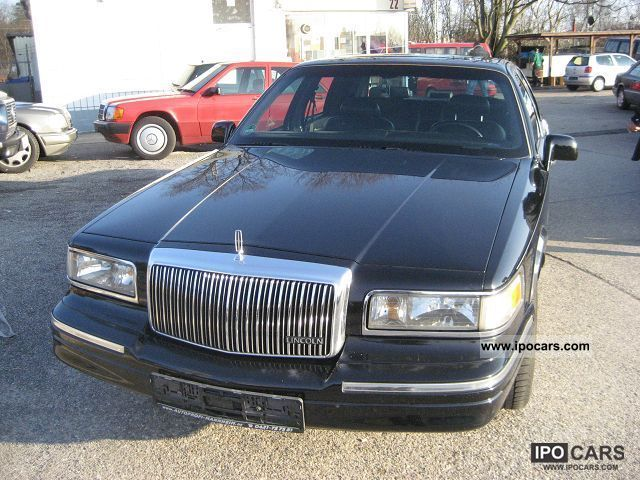 1997 Lincoln  4.6 V8 Limousine Used vehicle photo