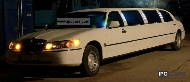 2001 Lincoln  White Town Car 120 \ Limousine Used vehicle photo