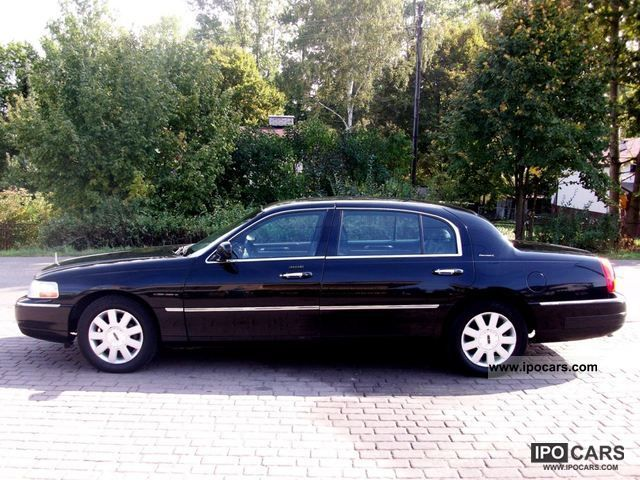 2005 Lincoln  Town Car L Executiwe Limousine Used vehicle photo