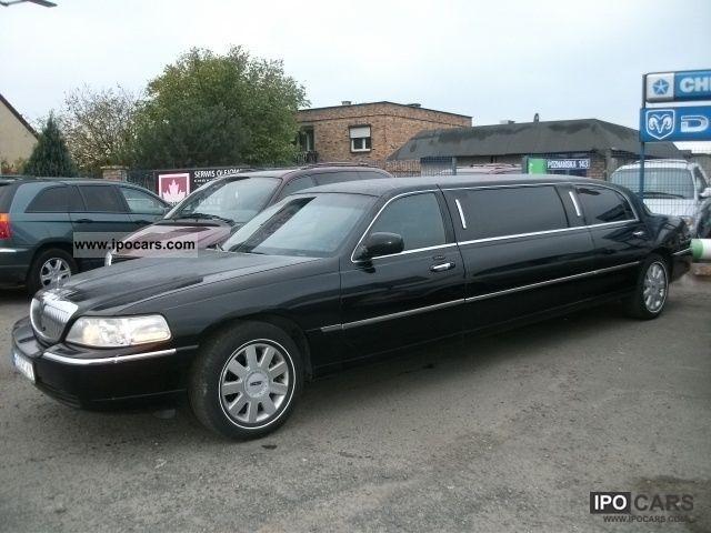 2005 Lincoln  Town Car 4.6 liter V8 6-bedded, barek, DVD Limousine Used vehicle photo