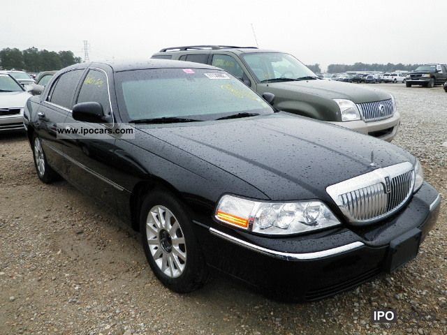 2010 Lincoln  TOWN CAR Limousine Used vehicle (business photo