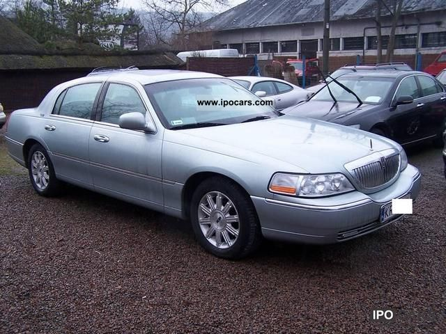 2007 Lincoln Town Car Signature Limited Ideal Limousine