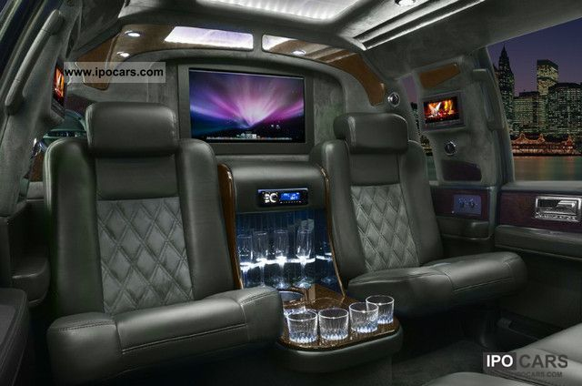2011 Lincoln  VIP Limousine Navigator Off-road Vehicle/Pickup Truck Pre-Registration photo