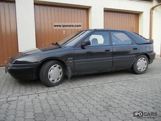 1993 Mazda  1.9i 16v 323 GT Limousine Used vehicle photo