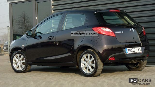 2010 mazda 2 1 3 6 tys km air car photo and specs. Black Bedroom Furniture Sets. Home Design Ideas