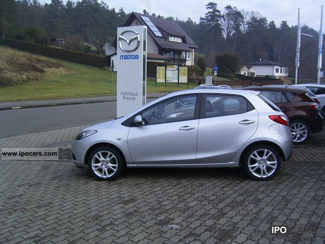 2009 mazda 2 mz cd ind car photo and specs. Black Bedroom Furniture Sets. Home Design Ideas