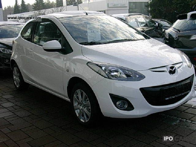 2010 mazda mazda2 sport 75hp active car photo and specs. Black Bedroom Furniture Sets. Home Design Ideas