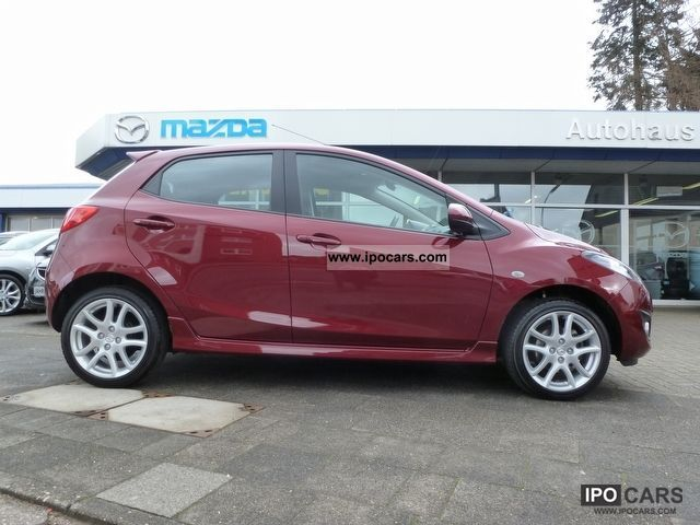 2011 mazda 2 sports equipment full line car photo and specs. Black Bedroom Furniture Sets. Home Design Ideas