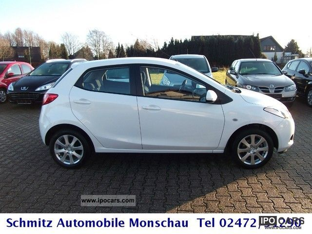 2011 mazda 2 white metallic air conditioning diesel car photo and
