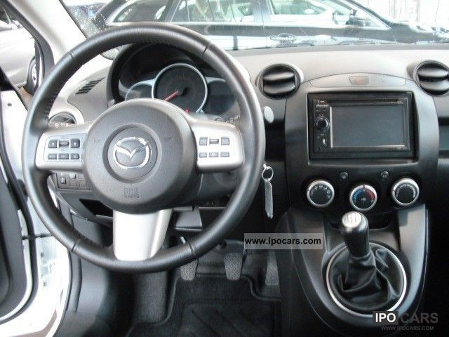 2010 mazda 2 3 door 1 5 liter mzr dynamic navigation system car photo and specs. Black Bedroom Furniture Sets. Home Design Ideas