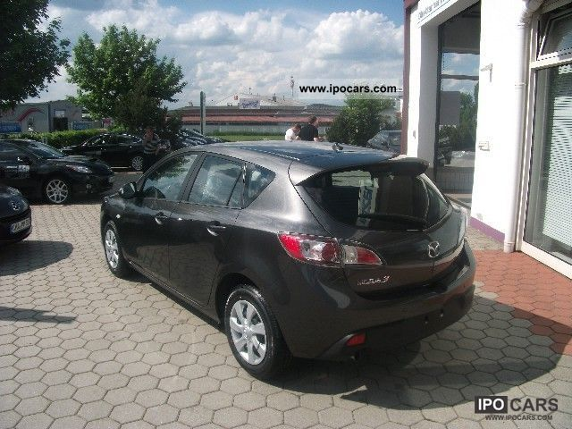2011 mazda 3 sport active climate lane change assistance car photo and specs. Black Bedroom Furniture Sets. Home Design Ideas